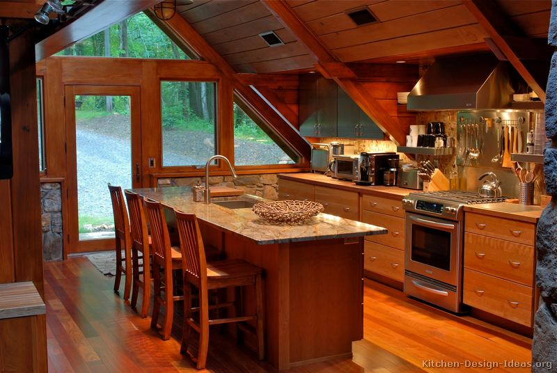 Charmant Wood Cabin Kitchen With Vaulted Ceilings (2 Of 2)