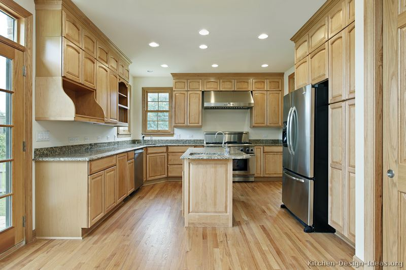 Kitchen Design Ideas With Oak Cabinets mesmerizing medium oak kitchen cabinets medium oak kitchen cabinets ideasjpg full version 184 Traditional Light Wood Kitchen