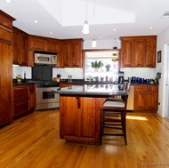 Traditional Medium Wood (Cherry) Kitchen