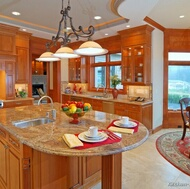 Traditional Medium Wood (Golden) Kitchen