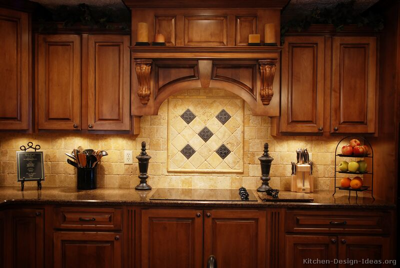 Pictures of kitchens traditional medium wood golden brown kitchen 4 - Traditional kitchen tile backsplash ideas ...