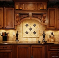 Traditional Medium Wood (Golden) Kitchen