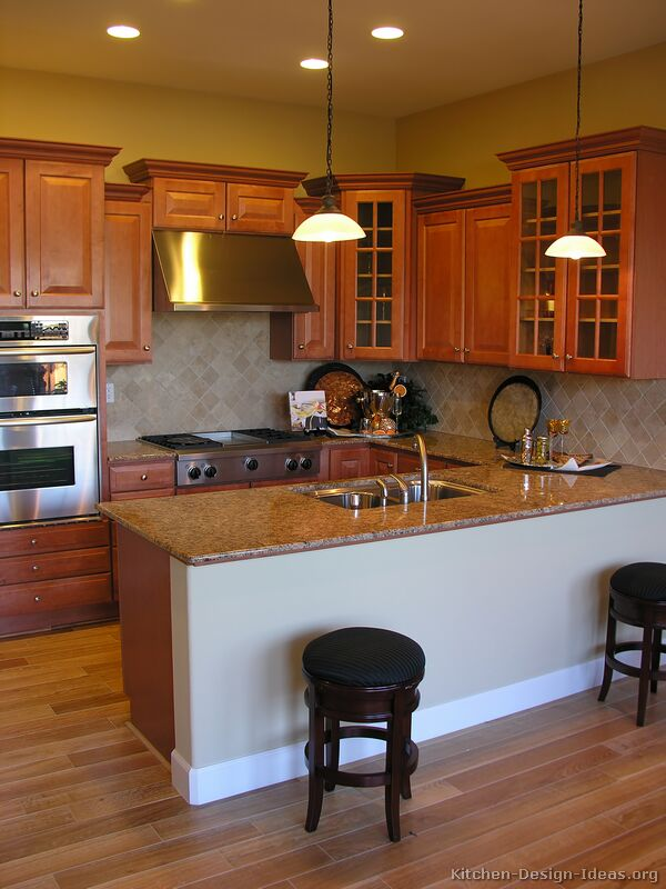 Traditional Medium Wood Golden Kitchen