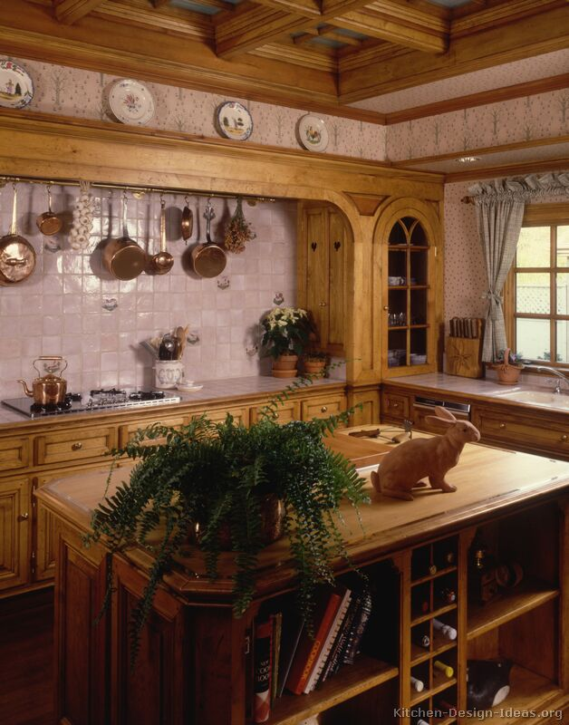 Old World Kitchen Designs - Photo Gallery