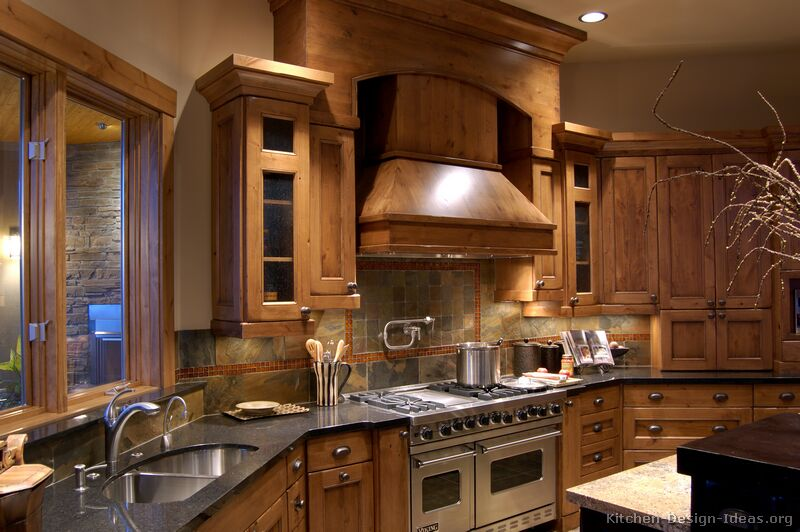 Rustic kitchen designs pictures and inspiration for Log cabin kitchen backsplash ideas