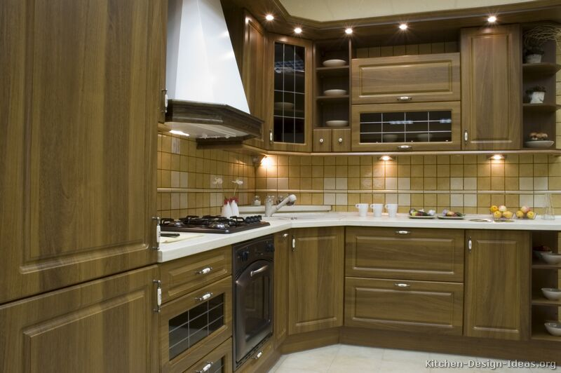 of Kitchens  Traditional  Medium Wood, Olive Color (Kitchen #3