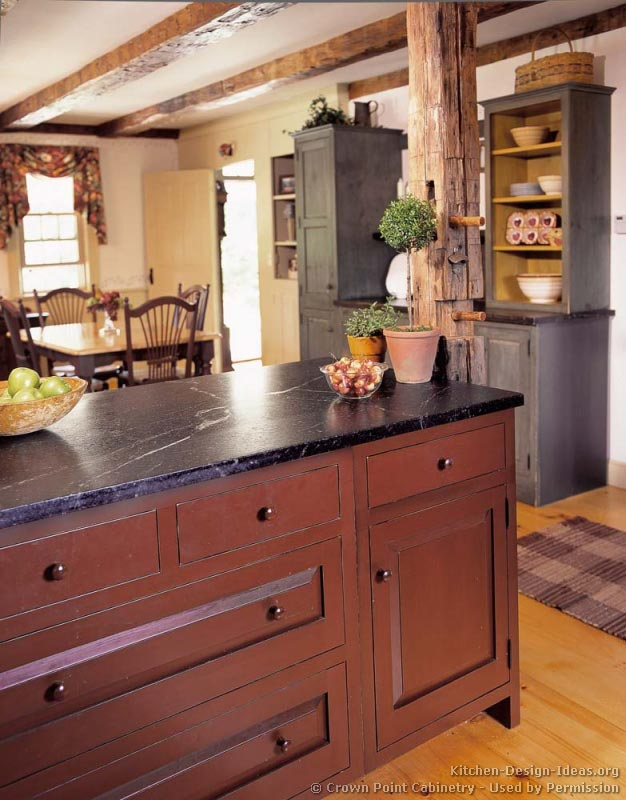 A rustic country kitchen in the early american style for Kitchen design rustic