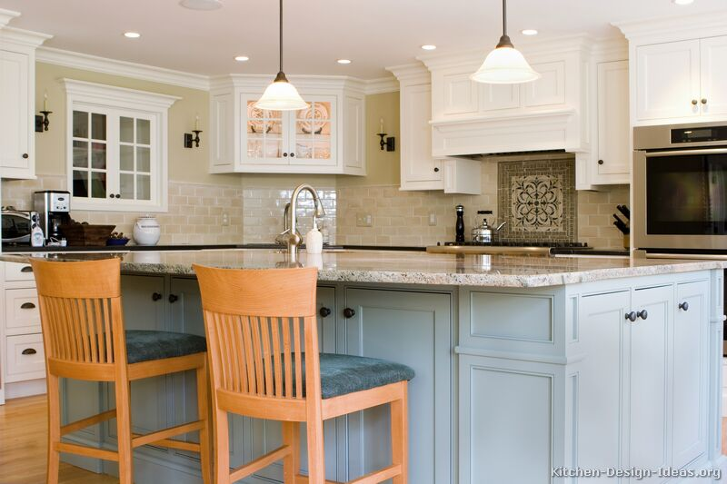 Early american kitchens pictures and design themes for Blue gray kitchen cabinets