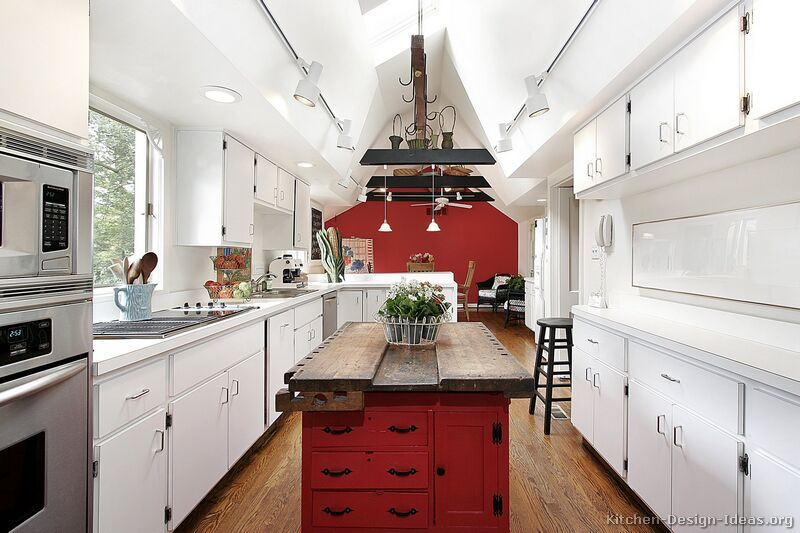 Traditional Red Kitchen Cabinets