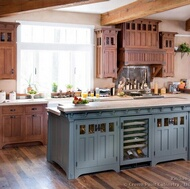 Traditional Two-Tone Kitchen