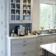 Transitional Kitchen Design with Shaker Style Cabinets