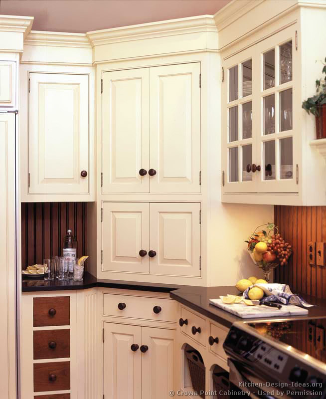 Victorian kitchens cabinets design ideas and pictures for Corner kitchen cabinet