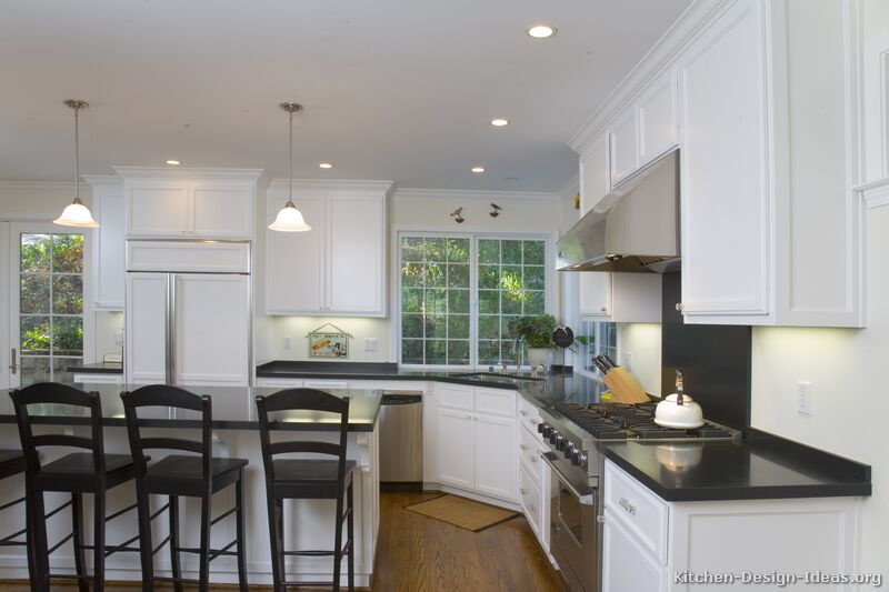 Pictures of Kitchens - Traditional - White Kitchen Cabinets (Kitchen ...