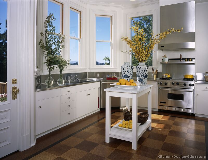Pictures of kitchens traditional white kitchen for Small kitchens with white cabinets