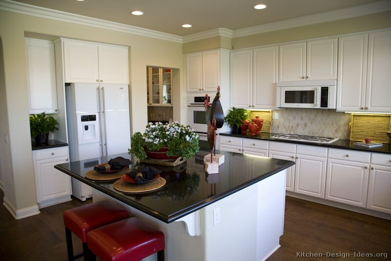 pictures of kitchens traditional white kitchen cabinets page 2. Black Bedroom Furniture Sets. Home Design Ideas