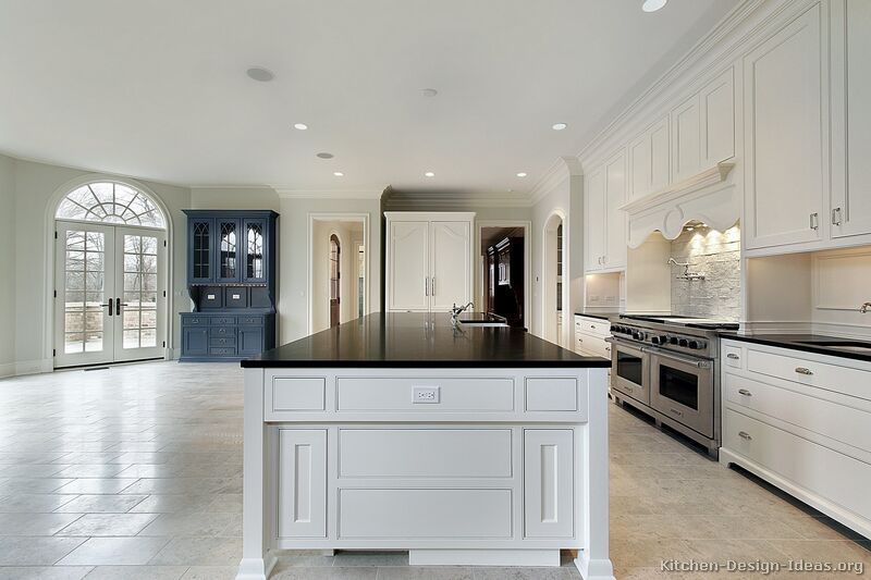 Traditional White Kitchen Cabinets #107