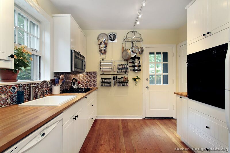 110, Traditional White Kitchen
