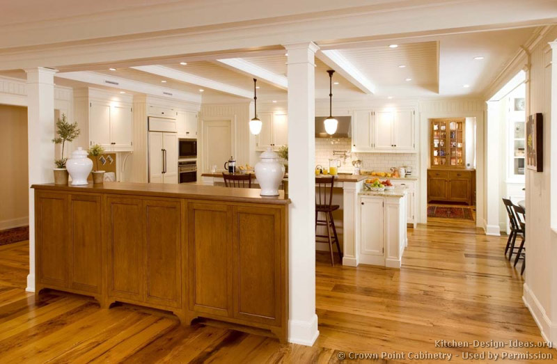 07, Traditional White Kitchen
