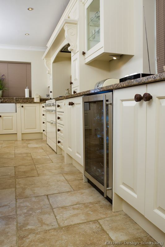 of Kitchens  Traditional  White Kitchen Cabinets (Kitchen #132