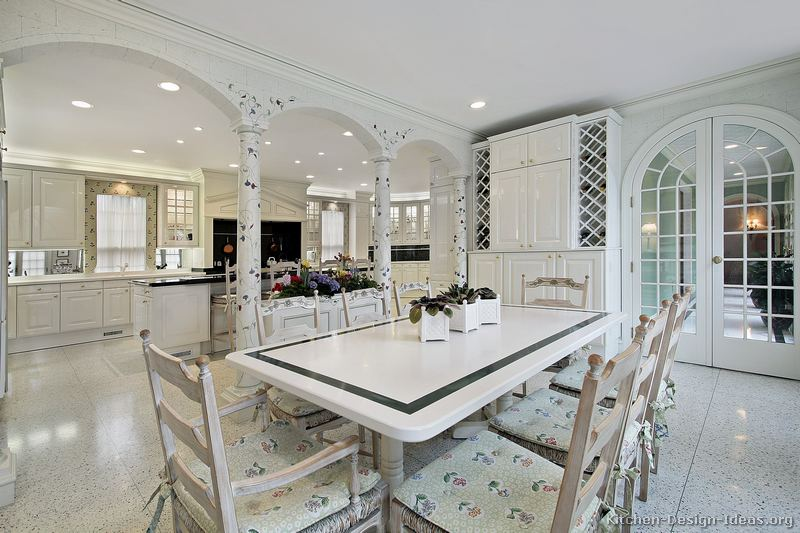01, Traditional White Kitchen