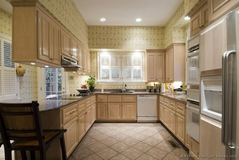 10 Traditional Whitewash Kitchen