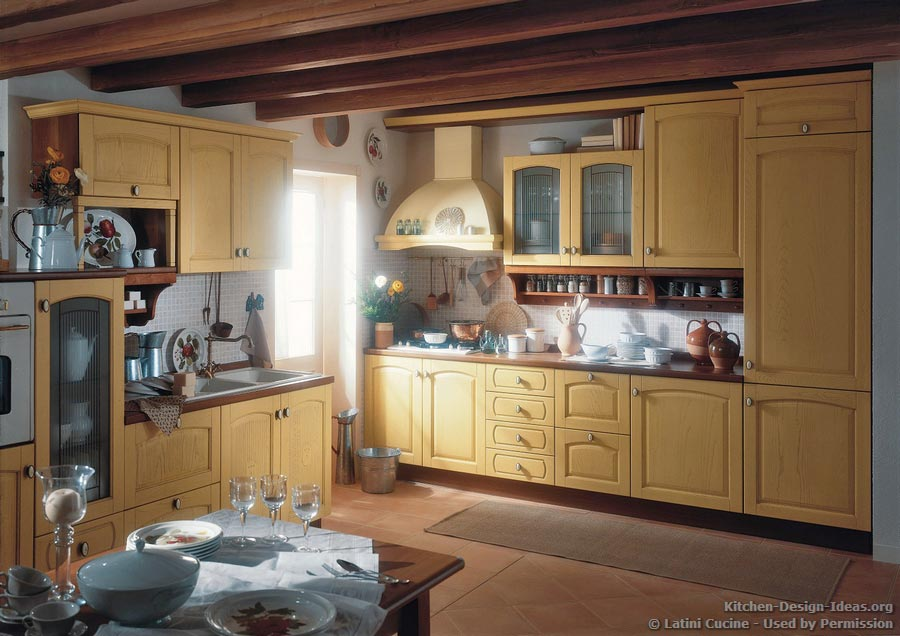 Emejing cucine old style photos for Italian kitchen cabinets